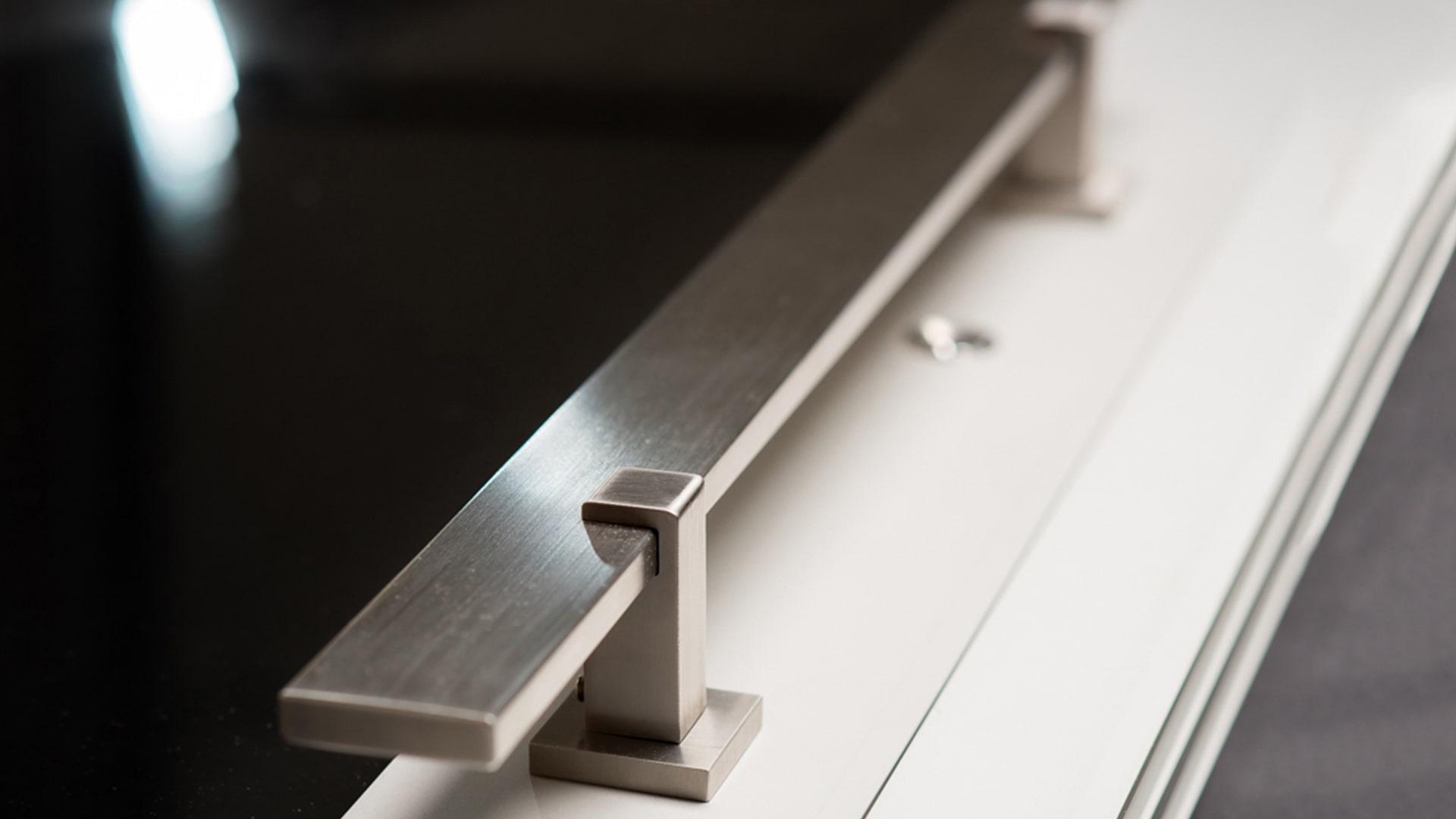 Maniglioni per pannelli per portoncini d'ingresso